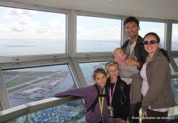 Nous cinq en haut de la tour CN de Toronto
